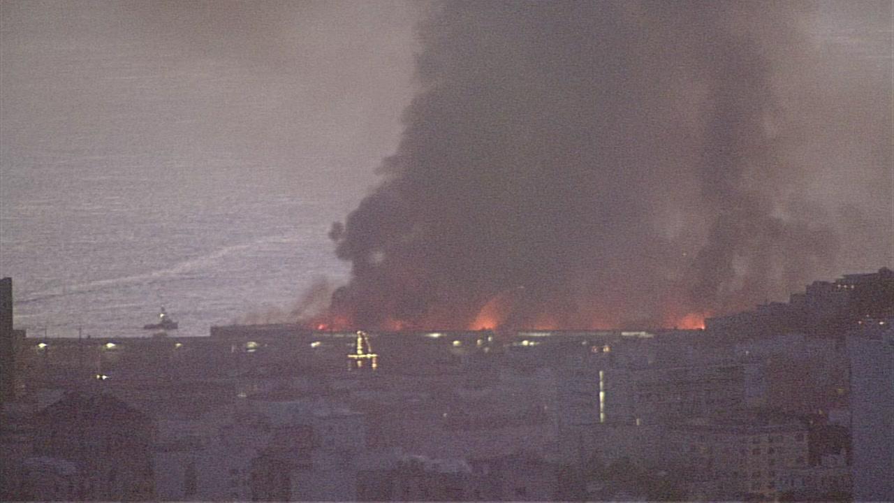 Watch Live Crews Battle 4 Alarm Fire At Sf S Pier 45