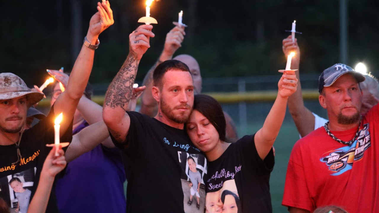 Cannon Hinnant Candlelight Vigil Held For 5 Year Old In