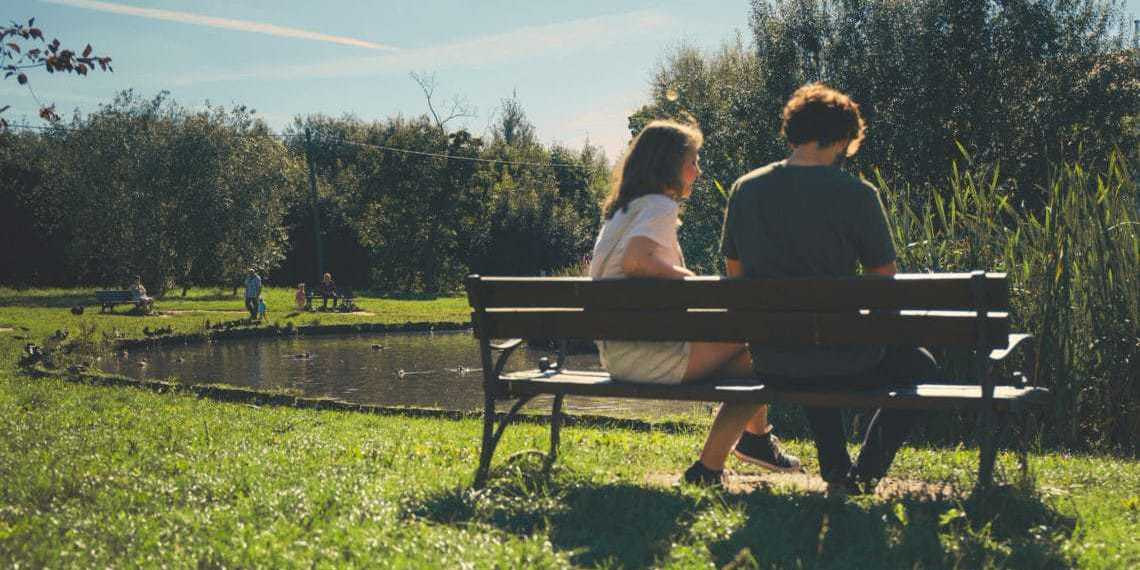 10 Signs You're in a Passive-Aggressive Relationship