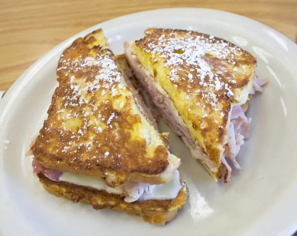 A Monte Cristo sandwich in all its glory (Image Credits: Visitor7 / Wikimedia Commons)
