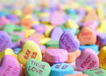 Don't know what to give you girlfriend for Valentine's? Here's a helpful article
