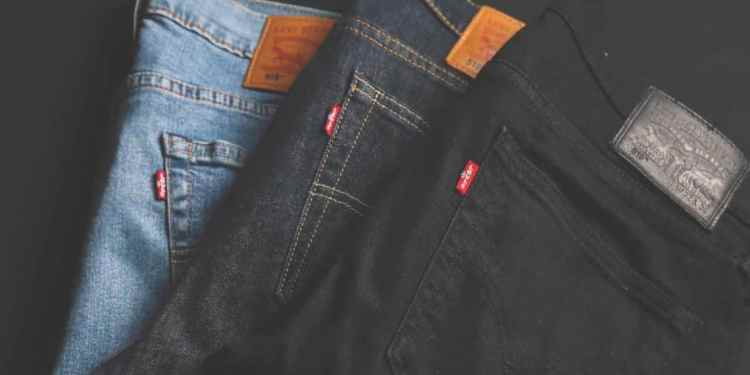 Style your jeans and make it work for different occasions. Here are some great tips