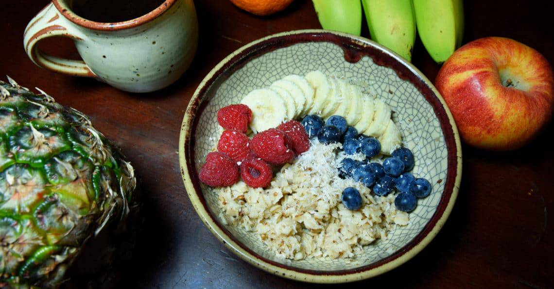 Oatmeal with Fruit and Peanut Butter