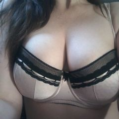 Amy Kisses Xxx Stockton On Tees North East TS19 British Escort
