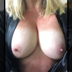 Angel Sam  Manchester North West M32 British Escort