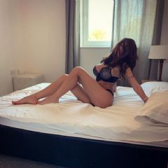 Hot_Emma! Swindon Andover Stroud Cirencester Bath South West SN1 British Escort