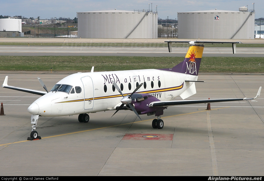 N138YV  Mesa Airlines Beechcraft 1900D Airliner at