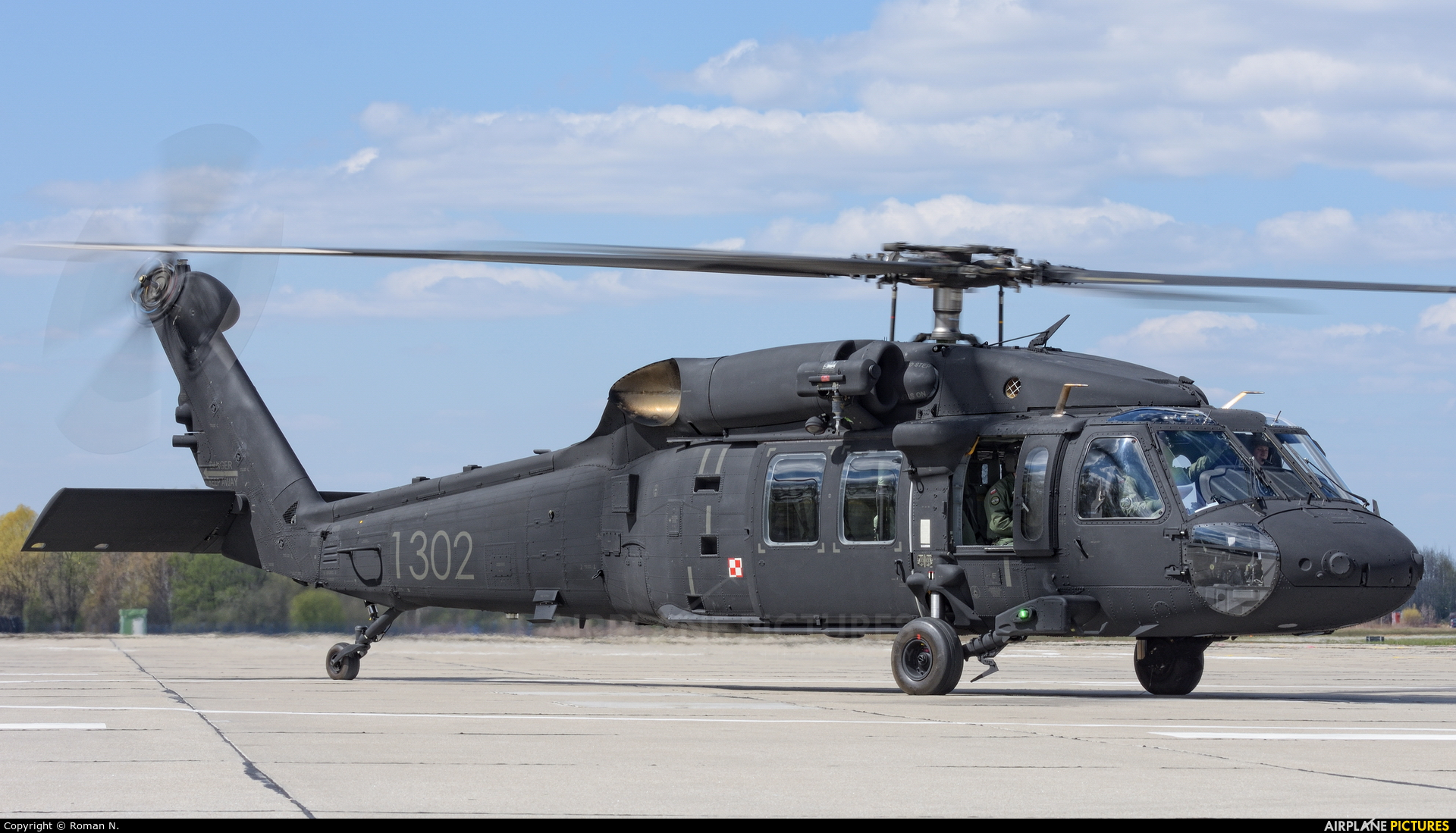 1302 - Poland - Air Force Sikorsky S-70I Blackhawk at Off Airport - Poland   Photo ID 1301264   Airplane-Pictures.net