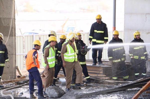 انهيار مبنى تحت الإنشاء واحتجاز 9 عمال تحت الأنقاض