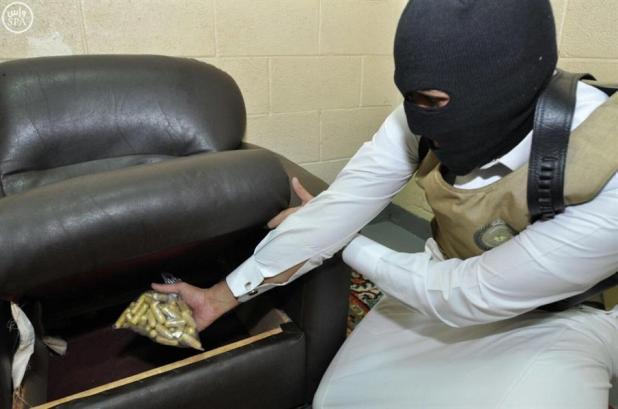 """""""الداخلية"""": ضبط كميات من مخدري الشبو والهروين الخام والقبض على المتورطين في تهريبها"""
