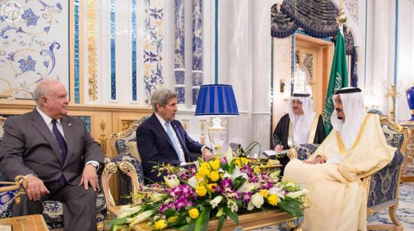 خادم الحرمين يستقبل وزير الخارجية الأمريكي