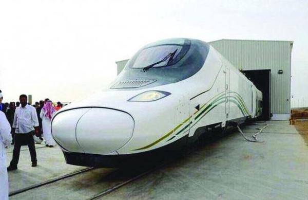أول رحلة تجريبية لقطار الحرمين بين رابغ والمدينة