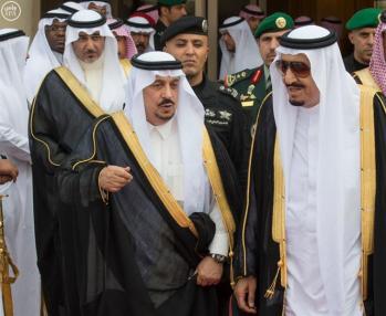بالصور.. خادم الحرمين الشريفين يغادر الرياض متوجهاً إلى جدة