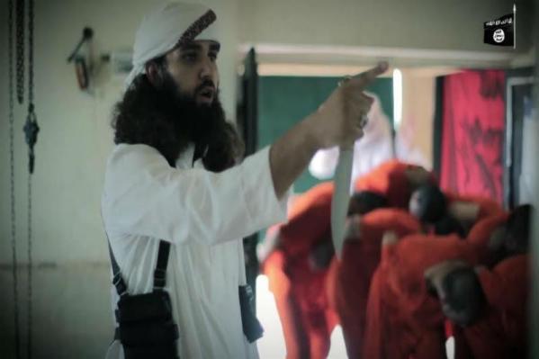 """بالصور.. """"داعش"""" يذبح 19 شاباً سوريا على طريقة """"أضحية العيد"""""""