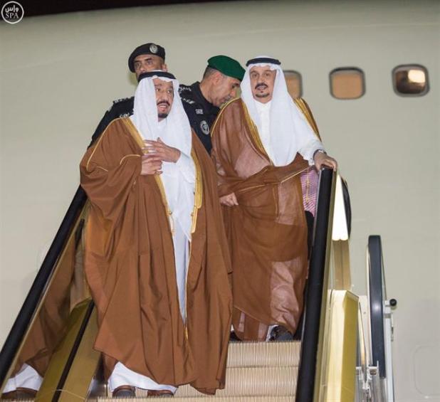 خادم الحرمين الشريفين يصل إلى الرياض