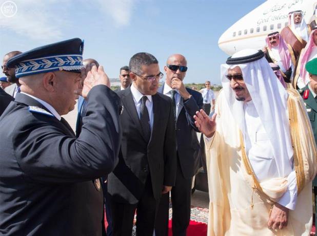 خادم الحرمين الشريفين يصل إلى مدينة طنجة بالمملكة المغربية