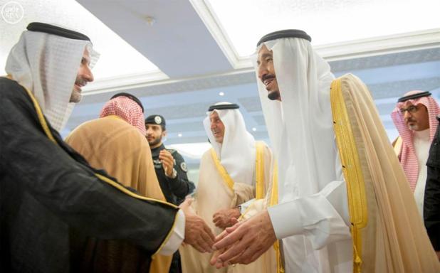 بالصور.. خادم الحرمين يصل إلى مكة المكرمة قادماً من جدة