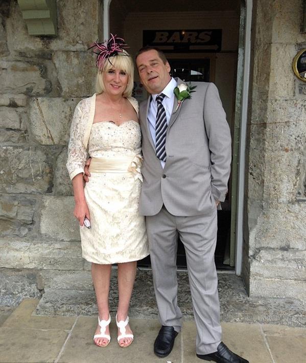 العريس رفقة عروسه