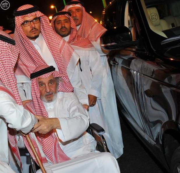 تشييع سعود الفيصل في مقبرة العدل بمكة