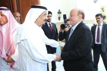 بالصور.. خادم الحرمين يستقبل الرئيس اليمني