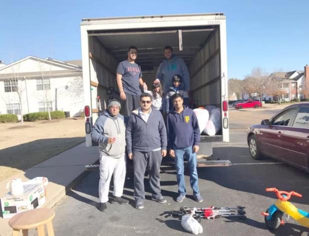 قام عدد من المبتعثين بولاية ميسيسبي الأمريكية، بحملة لجمع تبرعات عينية بغرض مساعدة الفقراء والمشردين بمدينة كلينتون،