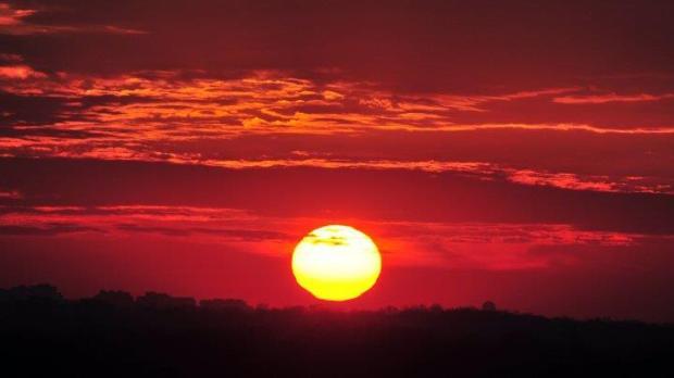 عاصفة شمسية منتظرة ستعيد الحضارة البشرية للقرون الوسطى
