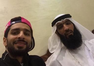 شاهد : والد فهد الأنصاري يُثير الاتحاديين