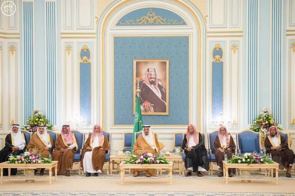 استقبال الملك سلمان للامراء ومفتي عام المملكة