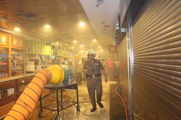 بالصور.. إخلاء 500 شخص بسبب حريق في فندق هيلتون بجوار المسجد الحرام
