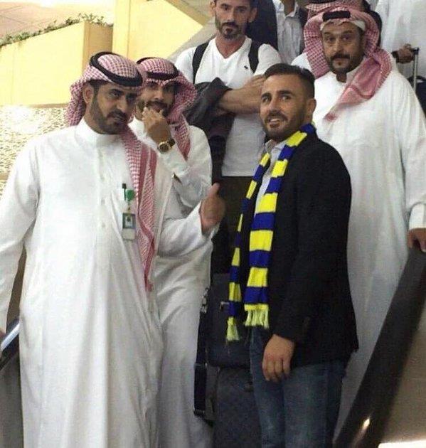 مدرب النصر كانافارو يصل الرياض