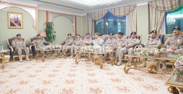 محمد بن سلمان يستقبل كبار قادة ومسؤولي وزارة الدفاع بمناسبة عيد الفطر