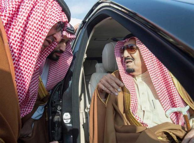 وصول خادم الحرمين بعد انتهاء جولته الخليجية: وصل خادم الحرمين الشريفين الملك سلمان بن عبدالعزيز يوم السبت الماضي إلى الرياض قا