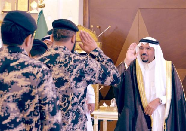 بالصور.. أمير القصيم يدشن الزي الرسمي الجديد لقوة أمن المنشآت بالمنطقة