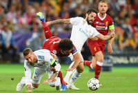 لكنه تمكن من المشاركة في المباراتين التاليتين وتمكن من إحراز هدفين رغم الخسارة أمام روسيا والسعودية