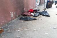 اتفقت والدة الأطفال مع صديقتها واثنين آخرين على إلقاء الجثث في القمامة خوفًا من المساءلة القانونية