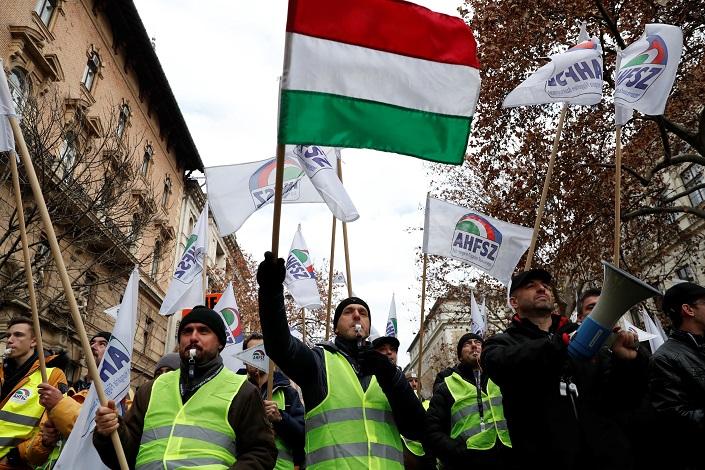 مظاهرات السترات الصفراء في بودابست