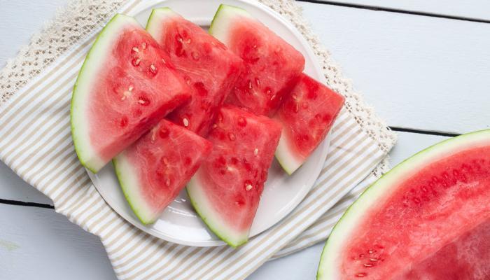 حافظوا على صحتكم في الصيف بالبطيخ