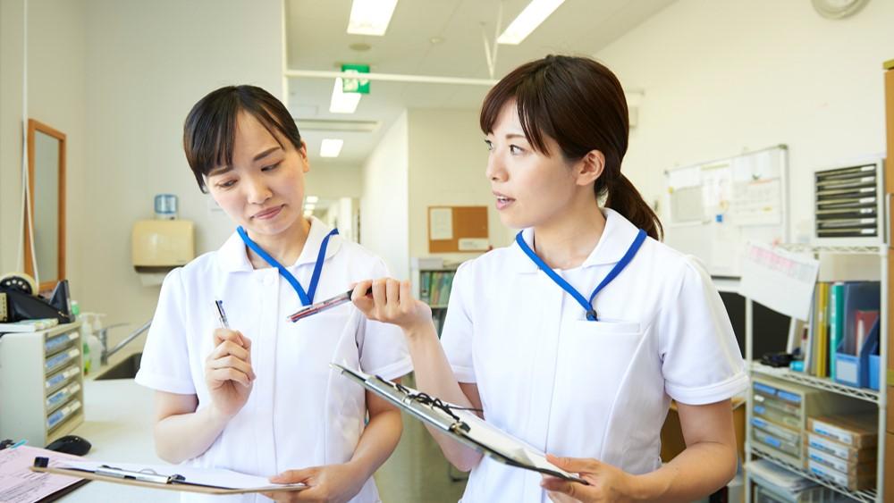 新卒で入ってわずか1ヶ月で辞めた新人看護師さんたちが光の速さで次の ...