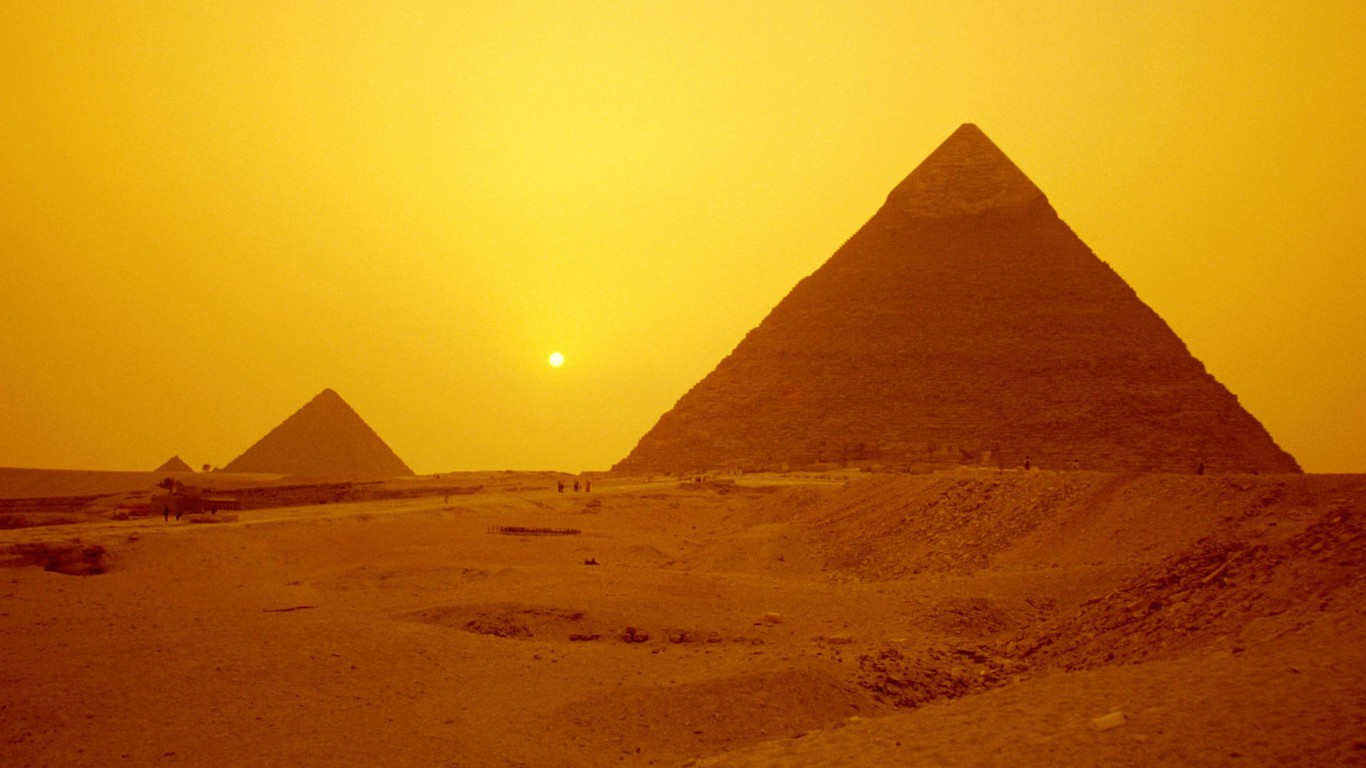 Egypt Pyramids Hd Wallpapers Architecture Egypt Pyramids Wallpaper Allwallpaper In