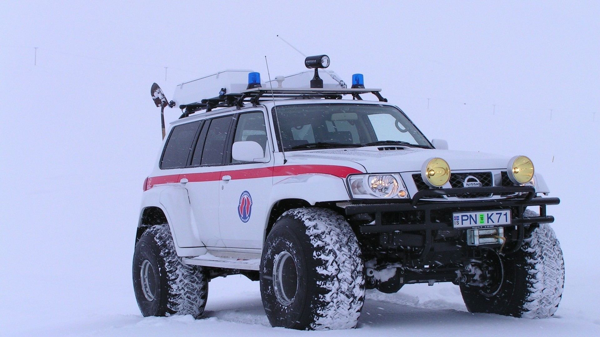 Crazy Iphone 5 Wallpapers Nissan Patrol Arctic Truck Cars Snow Wallpaper