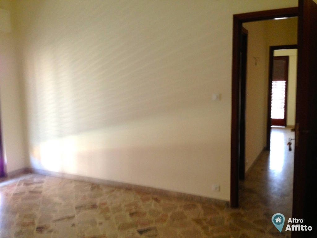 Appartamento 5 stanze a Palermo in Via Sandro Botticelli 21 di 160mq a 690   Altro Affitto