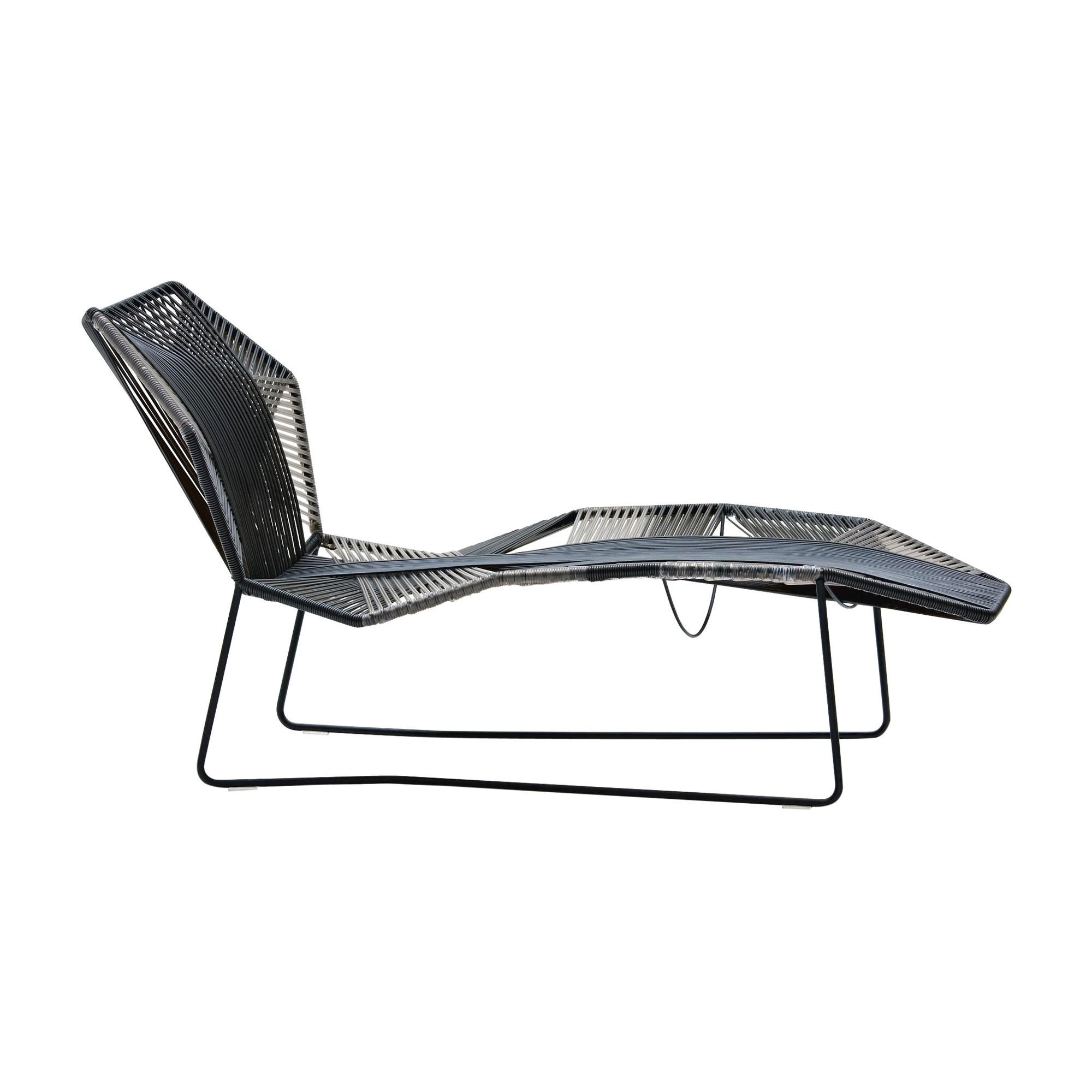 tropicalia chaise longue