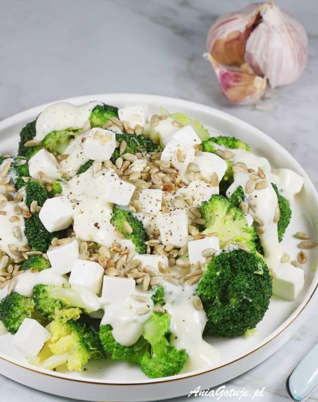 Салат с брокколи и сыром фета, 1 шт.