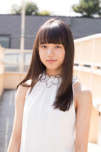 Kaya Kiyohara como estudiante de enfermería Aoi