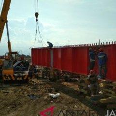 Baja Ringan Murah Kudus Kabupaten Jawa Tengah 59313 Gelagar Jembatan Tanggulangin Mulai Dipasang Antara Jateng