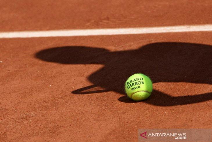French Open mundur satu minggu