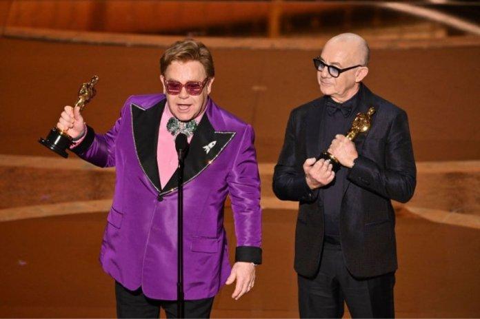 Elton John Raih Oscar Untuk Film Biopiknya Rocketman Antara News