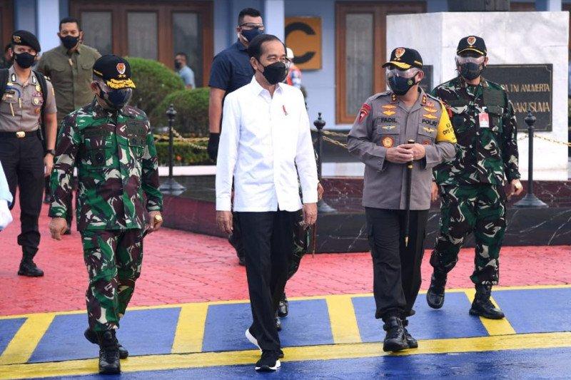 Jokowi memulai kunjungan kerja ke Jawa Timur
