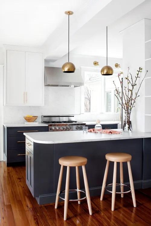 colors of kitchen cabinets cutting gloves for the best paint kitchn image credit jennifer hughes elizabeth lawson design