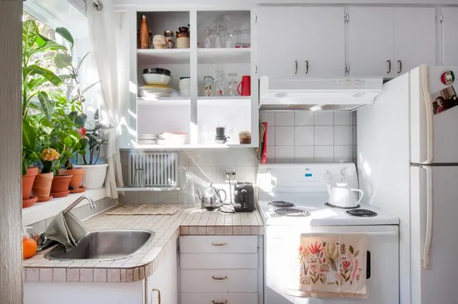5 Kitchen-Organizing Ideas to Steal from Savvy Dollar Store Shoppers